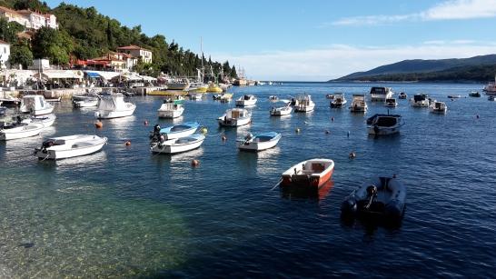 Viele Boote in der Bucht von Rabac