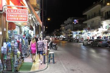 Die Stadt Chersonisos bei Nacht.