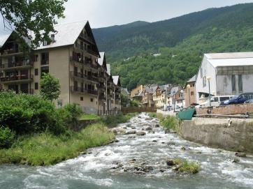 Ein Bergdorf in den Pyrenäen