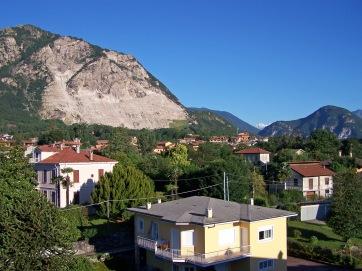 Blick vom Hotel Alpi auf den Ort Baveno.