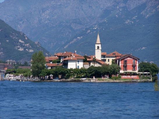 Grandioser Blick auf die Insel Isola Pescatori.