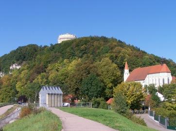 Blick auf die Befreiungshalle bei Kehlheim.