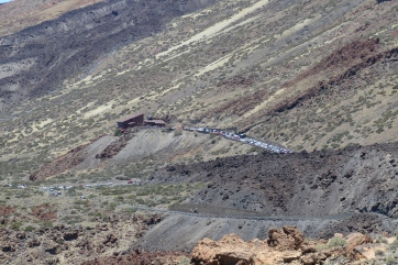 Der Nationalpark Las Canadas mit der Seilbahn- Talstation zum Gipfel des Teide.