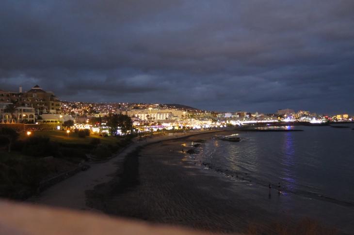 Playa de Fanabe bei Nacht.