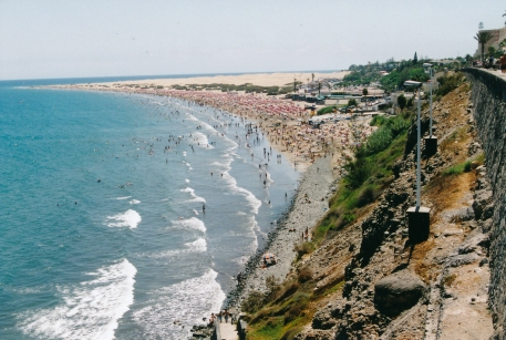 Playa del Ingles - im Hintergrund Dünen Maspalomas