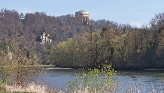 Spaziergang entlang der Donau.